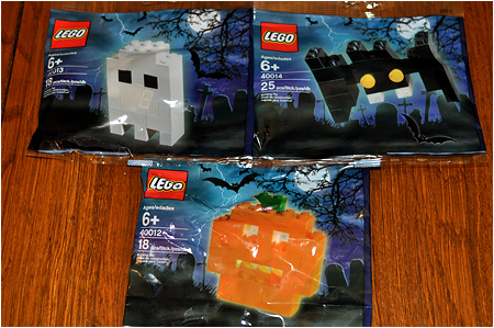 The 2010 LEGO Halloween Ghost, Bat, And Pumpkin Set!