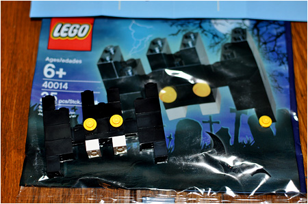 The 2010 LEGO Halloween Bat! LEGO Number 40014