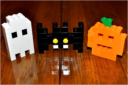 How awesome are these? LEGO clearly needs to make more of these Halloween sets.