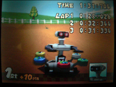 R.O.B. the Robot in Mario Kart DS! :o