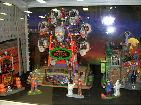 The Wheel of Terror and Transylvania Zoo from the 2010 Halloween Spooky Town Displays!
