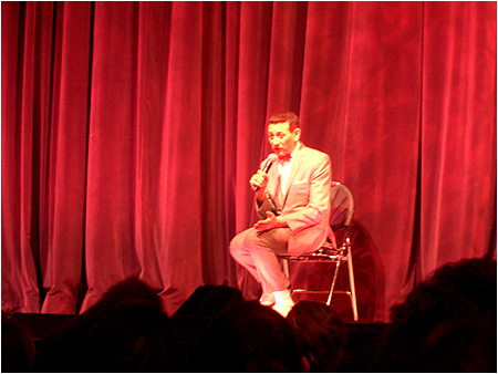 Pee-wee sat down for a long Q&A session and walked all around the club to interact directly with members of the audience!